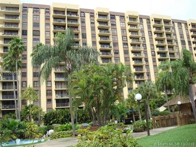 Miami-Dade County Condo For Sale: 1470 NE 123rd St #A902