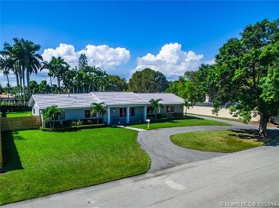 Miami-Dade County Single Family Home For Sale: 17560 SW 88th Ave