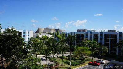 Miami-Dade County Condo For Sale: 1470 NE 123rd St #A509