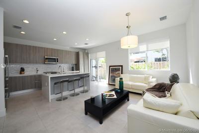 Miami Condo For Sale: 10240 NW 72nd Ter #10240