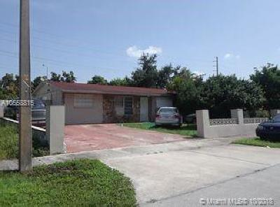 Miami-Dade County Single Family Home For Sale: 4945 NW 182nd St
