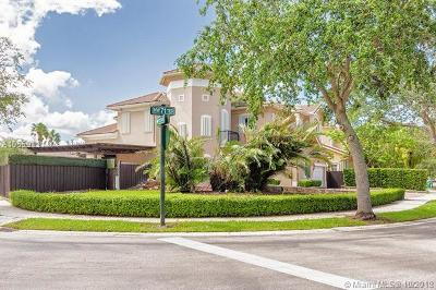 Doral Single Family Home For Sale: 11102 NW 71st Ter
