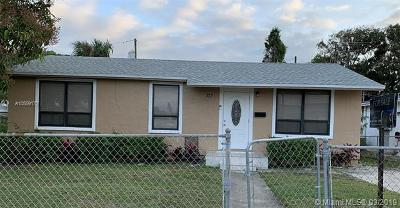 Riviera Beach Single Family Home For Sale: 717 W 7th St