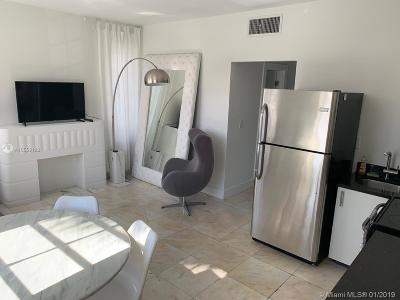 Miami Beach Condo For Sale: 801 8th St #201