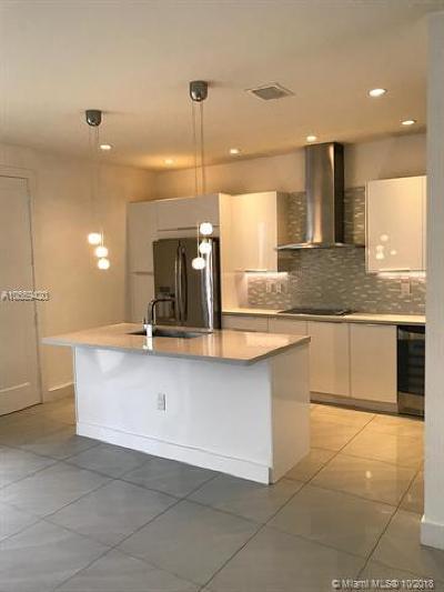 Miami-Dade County Condo For Sale: 6413 NW 105th Ct #6413
