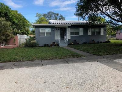 North Miami Single Family Home For Sale: 215 NW 126 St