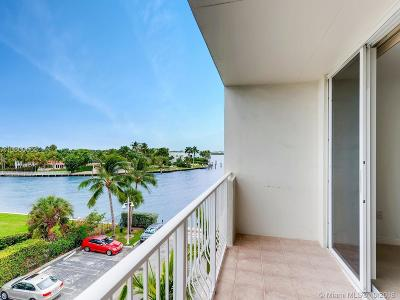 Bay Harbor Islands Condo For Sale: 10350 W Bay Harbor Dr #4P