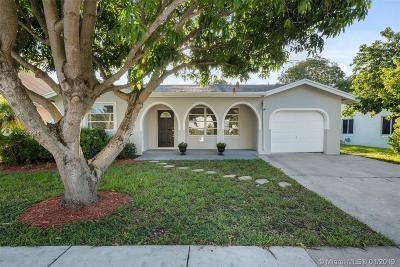 Deerfield Beach Single Family Home Active With Contract: 71 SW 34 Ave