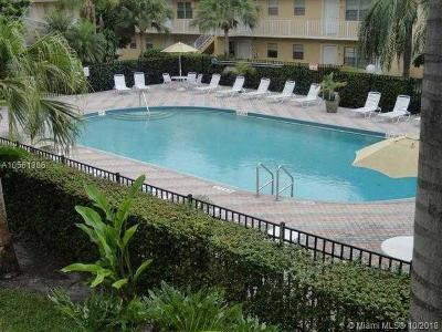 Oakland Park Condo For Sale: 5192 NE 6th Ave #827