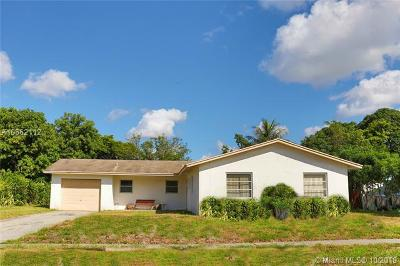 Lauderhill Single Family Home For Sale: 4401 NW 14th St