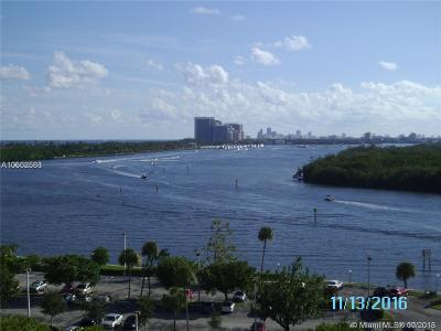 Sunny Isles Beach Condo For Sale: 400 Kings Point Dr #1604
