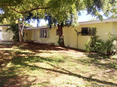 Deerfield Beach Single Family Home For Sale: 100 SE 5th Ave
