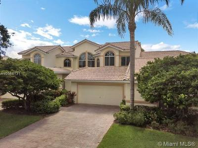 Pompano Beach Single Family Home For Sale: 676 W Palm Aire Dr