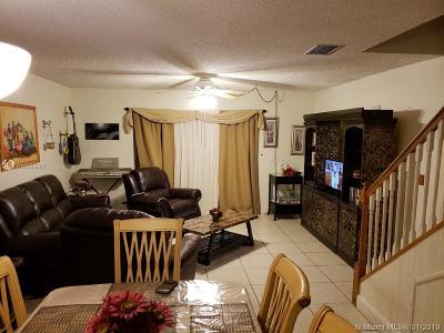Plantation Condo For Sale: 533 N Pine Island Rd #18