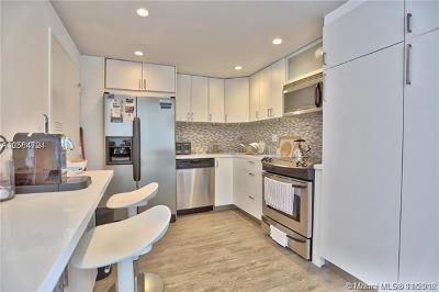 Miami Beach Condo For Sale: 5555 Collin #5F