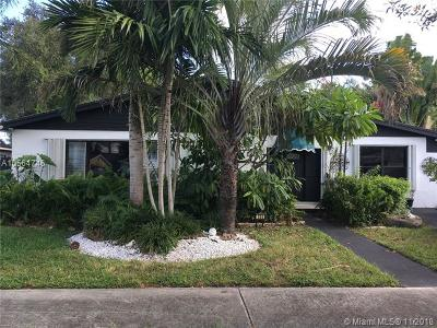 North Miami Single Family Home For Sale: 550 NE 180th Dr