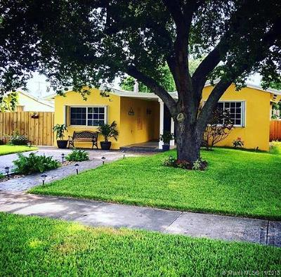 Miami Springs Single Family Home For Sale: 533 Mokena Dr