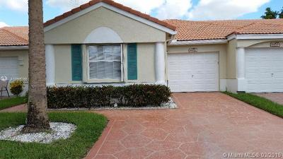Delray Beach Single Family Home For Sale: 6057 Heliconia Rd