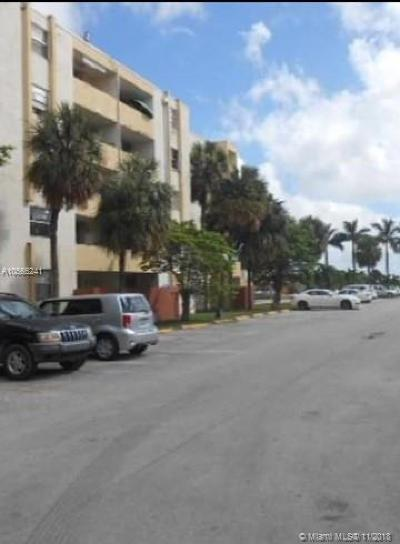 Hialeah Gardens Condo For Sale: 10000 NW 80th Ct #2102