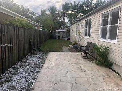 Pembroke Pines Single Family Home For Sale: 520 NW 214th Ave