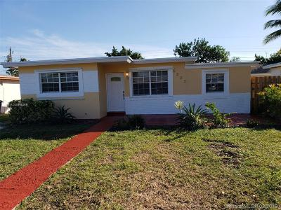 Broward County Single Family Home For Sale: 6222 SW 24th St