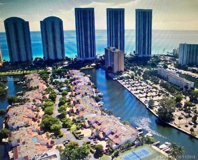 Sunny Isles Beach Condo For Sale: 228 Poinciana Dr #308