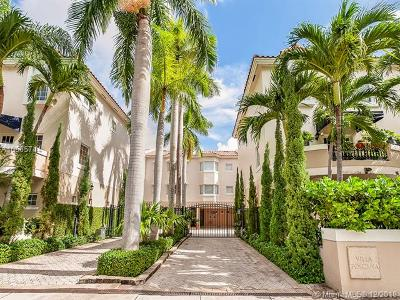 Coral Gables Condo For Sale: 261 Navarre Ave #204