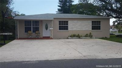 Hallandale Single Family Home For Sale: 709 SW 7th Ave