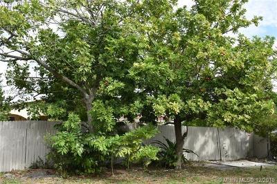 North Miami Single Family Home For Sale: 1435 NE 142nd St