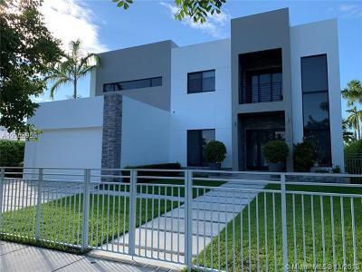North Miami Single Family Home For Sale: 2350 Magnolia Dr