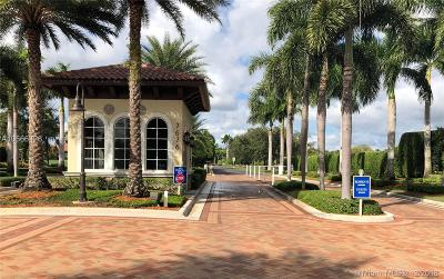 Palm Beach County Condo For Sale: 7508 La Paz Blvd #207