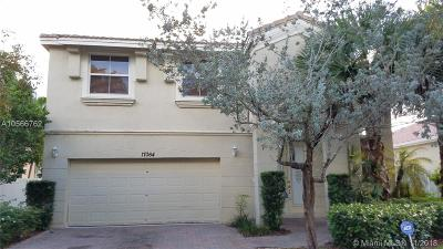 Miramar Single Family Home For Sale: 17064 SW 51st Ct