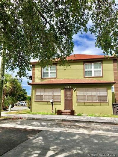 West Palm Beach FL Single Family Home For Sale: $220,000