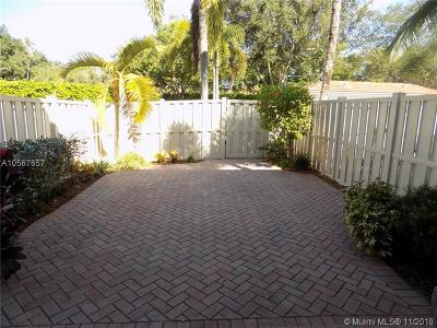 Pompano Beach Single Family Home For Sale: 4086 W Palm Aire Dr