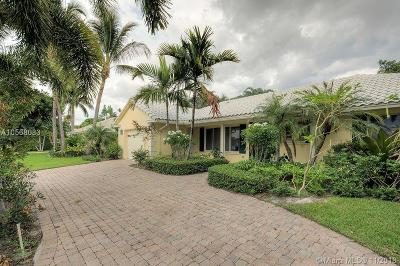 Palm Beach County Single Family Home For Sale: 966 Hickory Ter