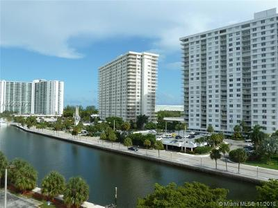 Sunny Isles Beach Condo For Sale: 400 Kings Point Dr #622
