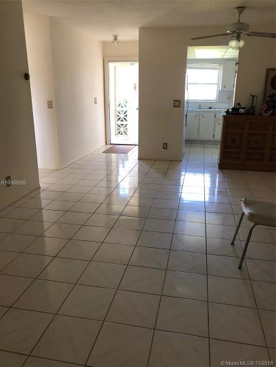 West Palm Beach FL Condo For Sale: $64,000