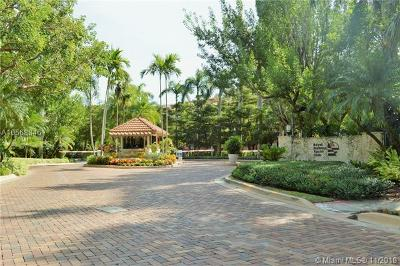 Palmetto Bay Condo For Sale: 6147 Paradise Point Dr #6147