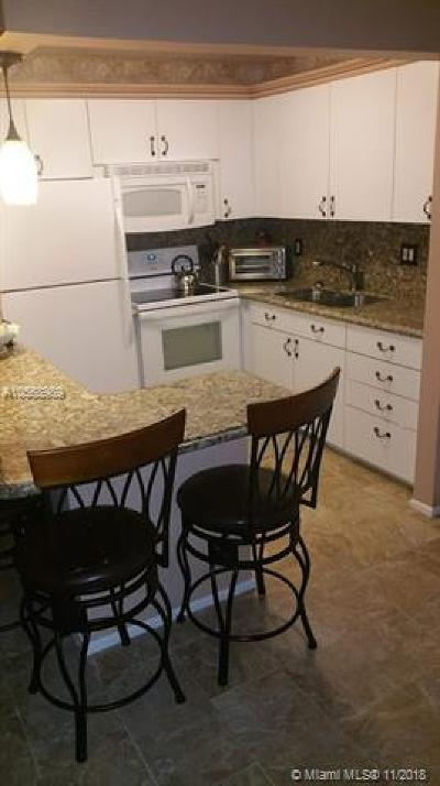 Boynton Beach Condo For Sale: 620 W Horizons W #205