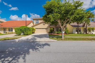 Boca Raton Single Family Home For Sale: 18228 Clear Brook Cir