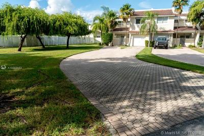 Doral Single Family Home For Sale: 9779 NW 44 Terr