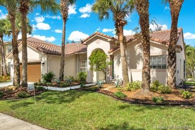 Weston Single Family Home For Sale: 1961 S Landing Way