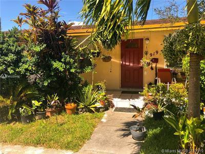 Hallandale Multi Family Home For Sale: 917 NE 10th St