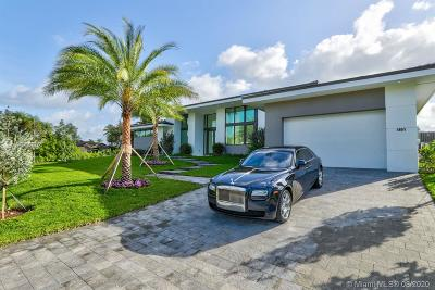 Hallandale Single Family Home For Sale: 1651 Diplomat Pkwy