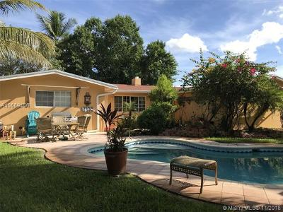 Plantation Single Family Home For Sale: 2 S Bel Air Dr