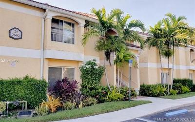 Oakland Park Condo For Sale: 2662 NW 33rd St #2504