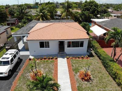 Hialeah Single Family Home For Sale: 726 E 36th St