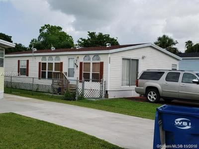 Miami Single Family Home For Sale: 19800 SW 180 Avenue # 131