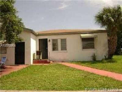 Riviera Beach Single Family Home For Sale: 1196 W 33rd St