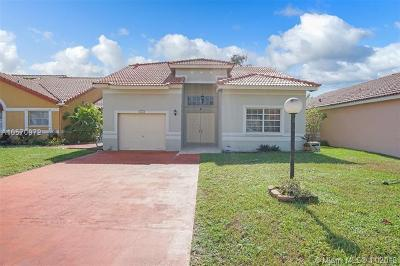 Miami Single Family Home For Sale: 5542 NW 190th Ln